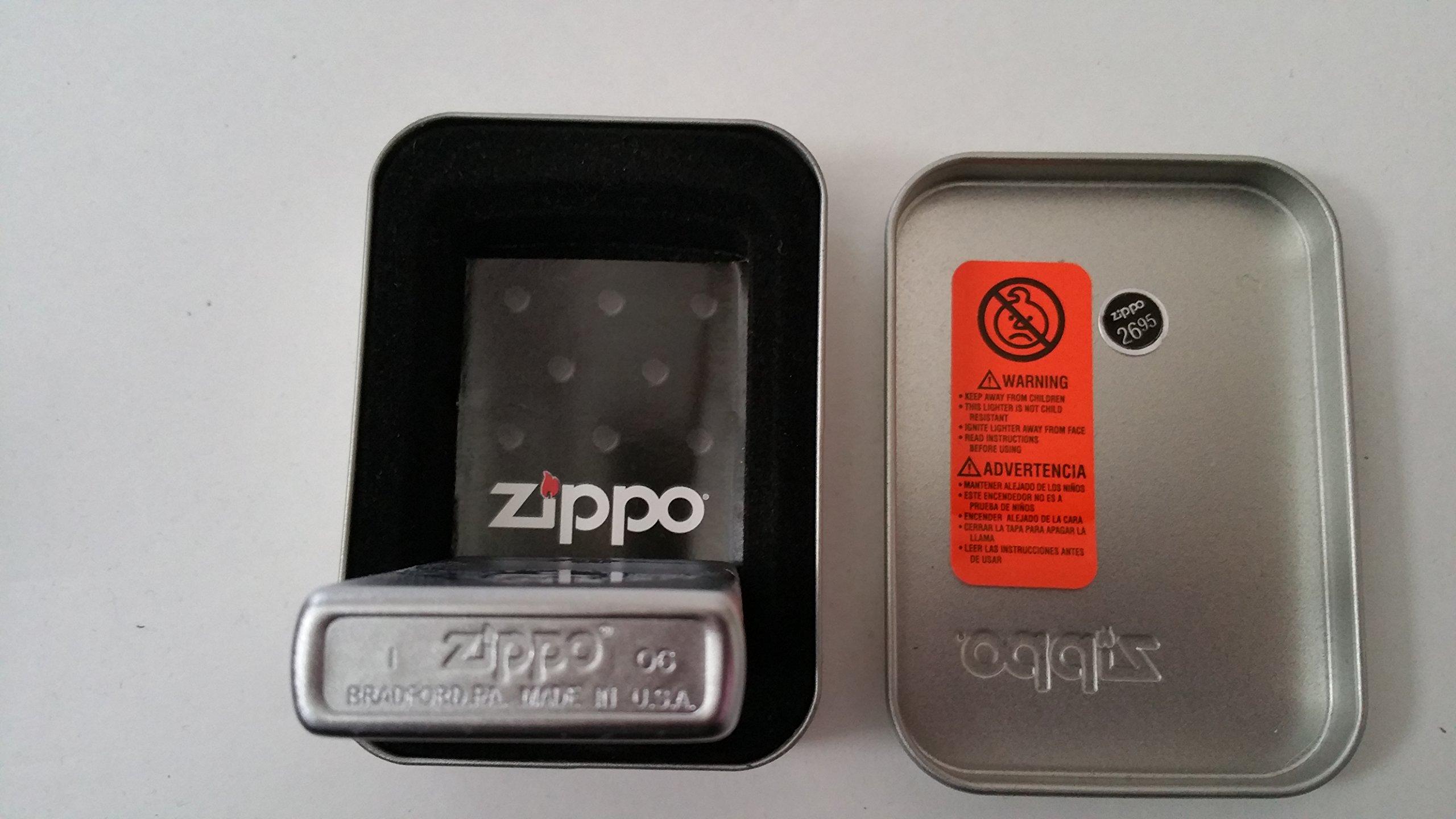 Zippo-21215-1.jpg